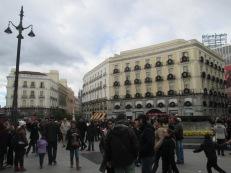 Sol crowds