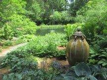 pond & urn